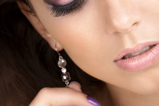 Le make-up violet : bonne ou mauvaise idée ?