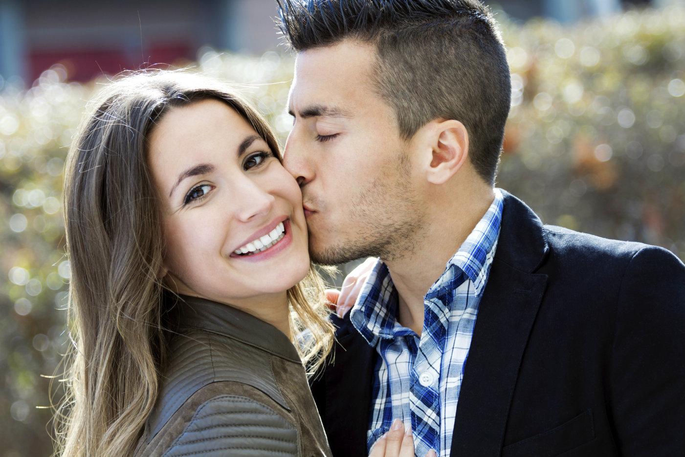 Comment voir si elle est amoureuse [PUNIQRANDLINE-(au-dating-names.txt) 40